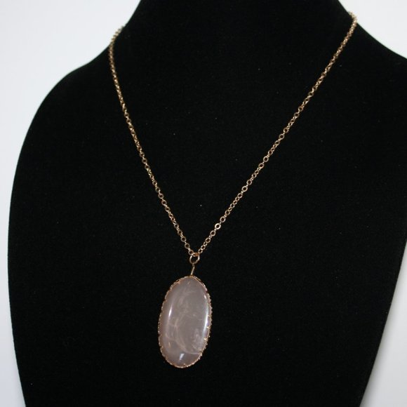 """Beautiful gold and pink rose quartz necklace 28"""""""